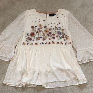 Francesca's Floral Embroidered Blouse